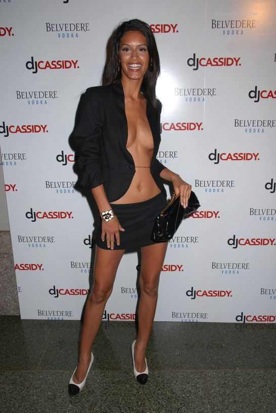 gallery_main-jaslenegonzalez-outfit-photos-071008-02.jpg