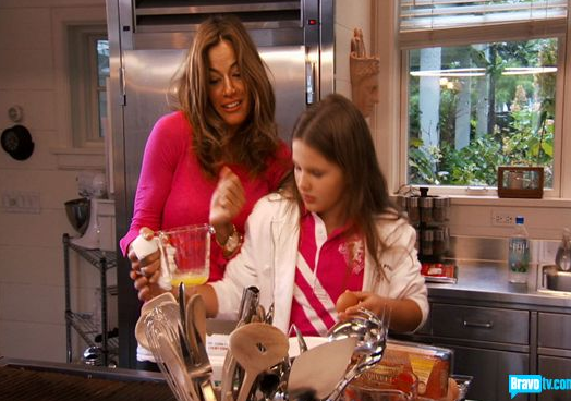 04-26-10-housewives-22.png
