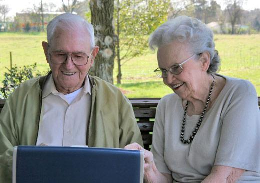 commenting-seniors.jpg